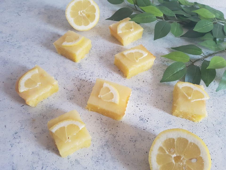 Brownies al limone senza burro e senza lattosio