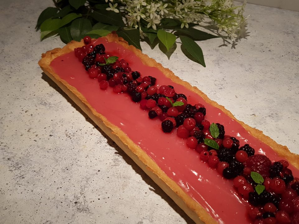 Crostata ai frutti di bosco con crema all'acqua