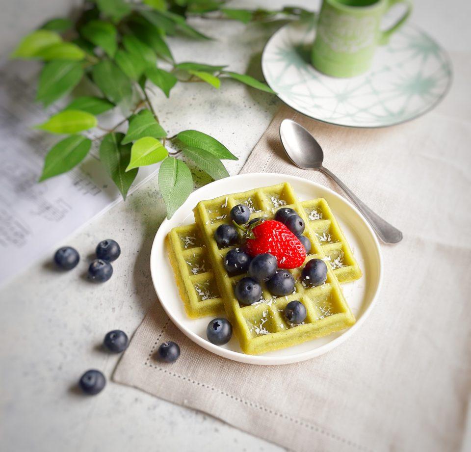 (Italiano) Waffles vegani senza glutine al té matcha