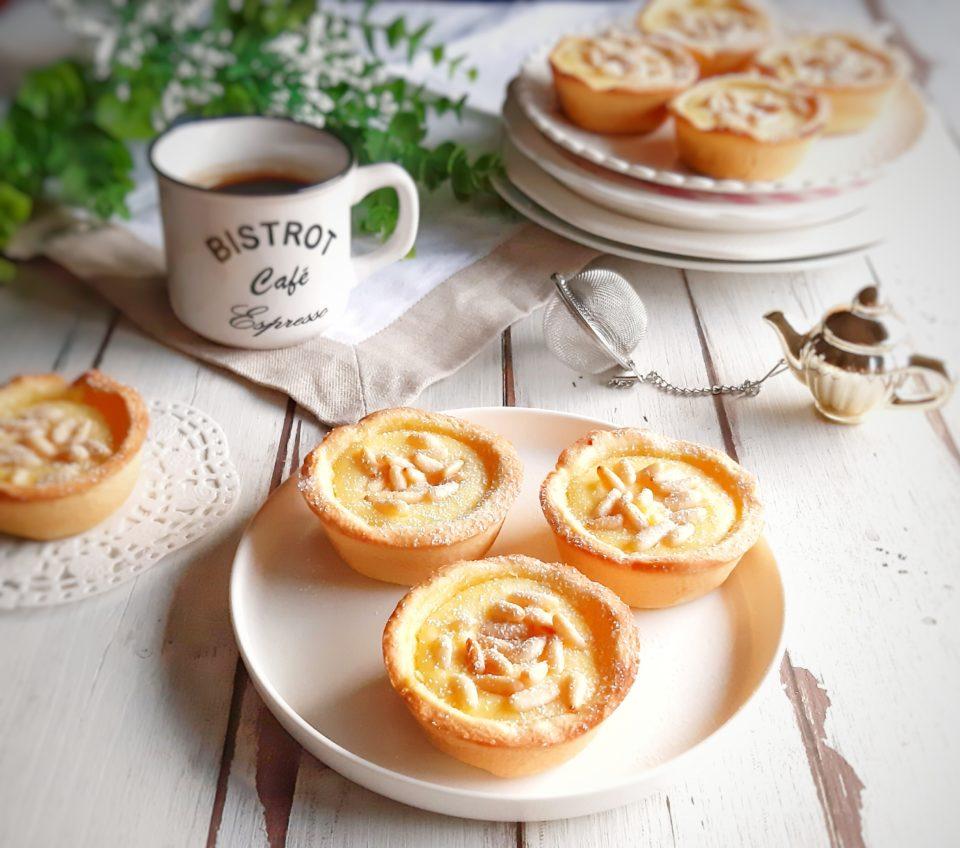 (Italiano) Mini crostate con ricotta e pinoli