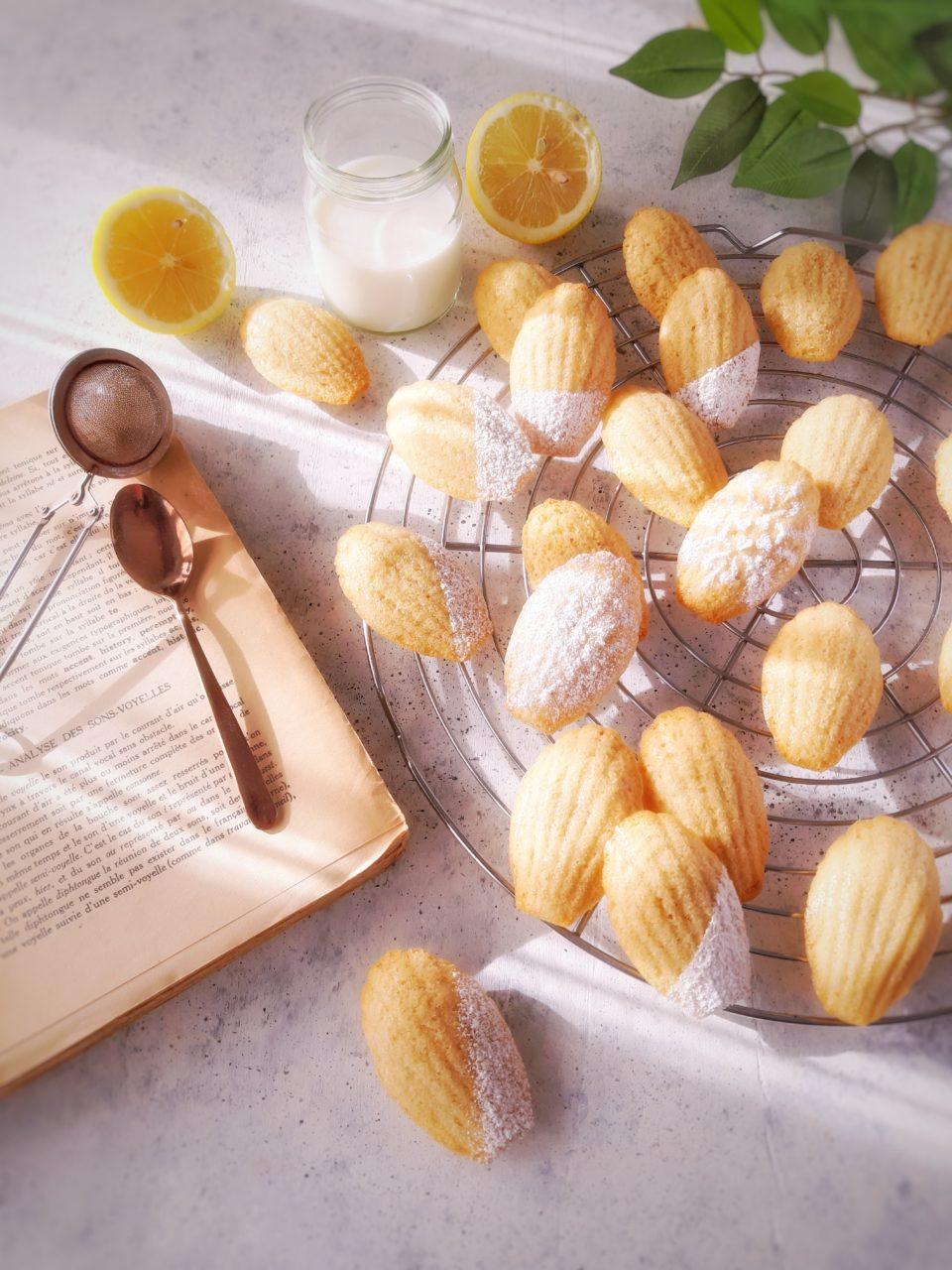 Madeleines al limone e mandorle