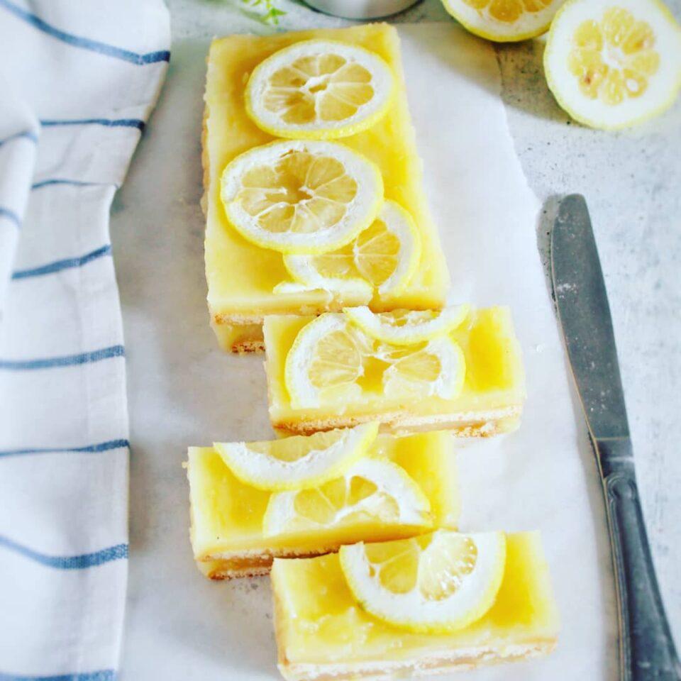 (Italiano) Torta di biscotti con crema di limone