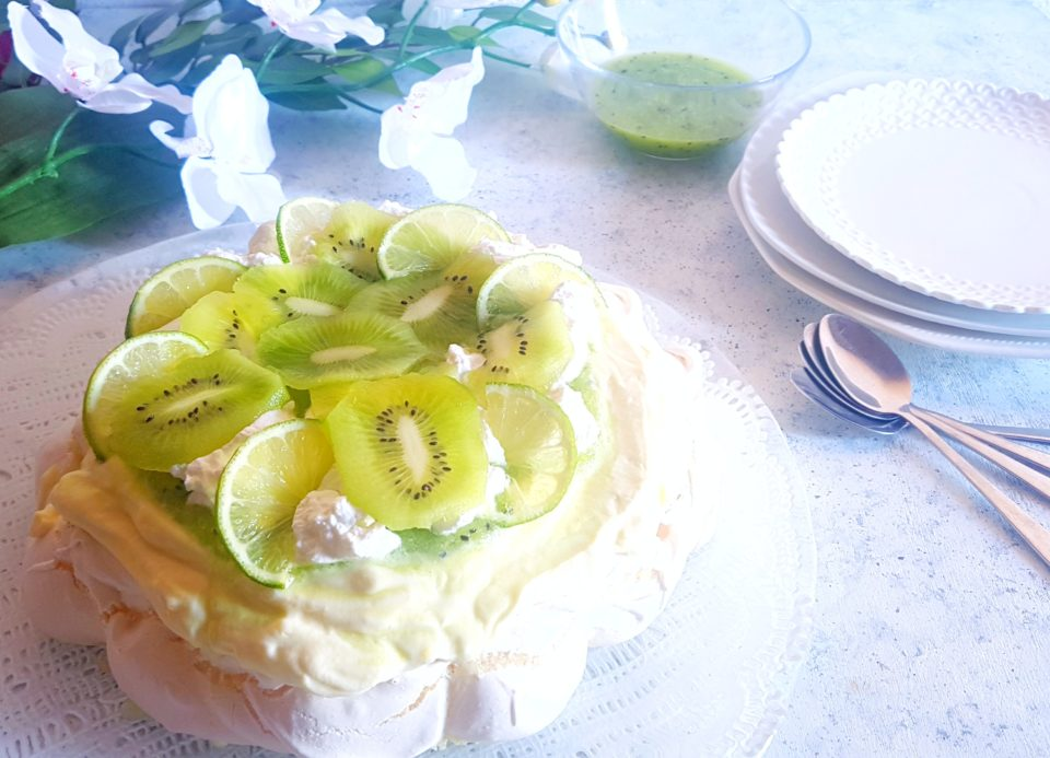 (Italiano) Pavlova al lime e kiwi