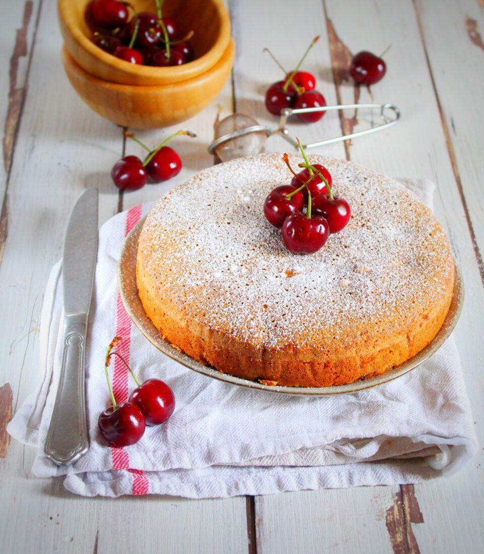 (Italiano) Torta alle ciliegie e pistacchi
