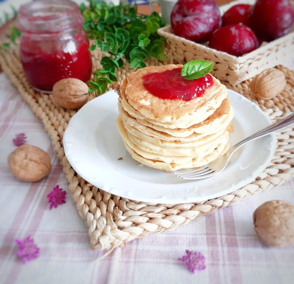 (Italiano) Pancakes e confettura di prugne e vaniglia