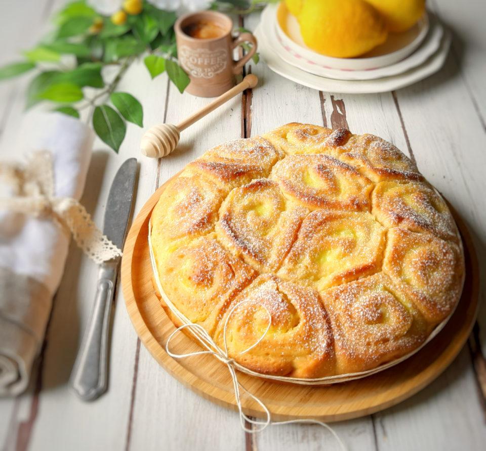 (Italiano) Torta di rose con crema al limone