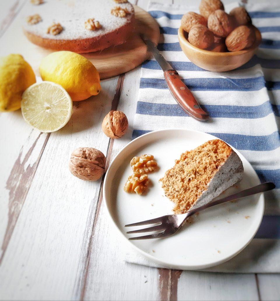 (Italiano) Torta senza glutine alle noci e limone
