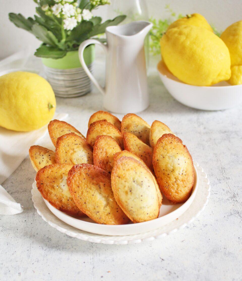 (Italiano) Madeleines al limone e semi di papavero